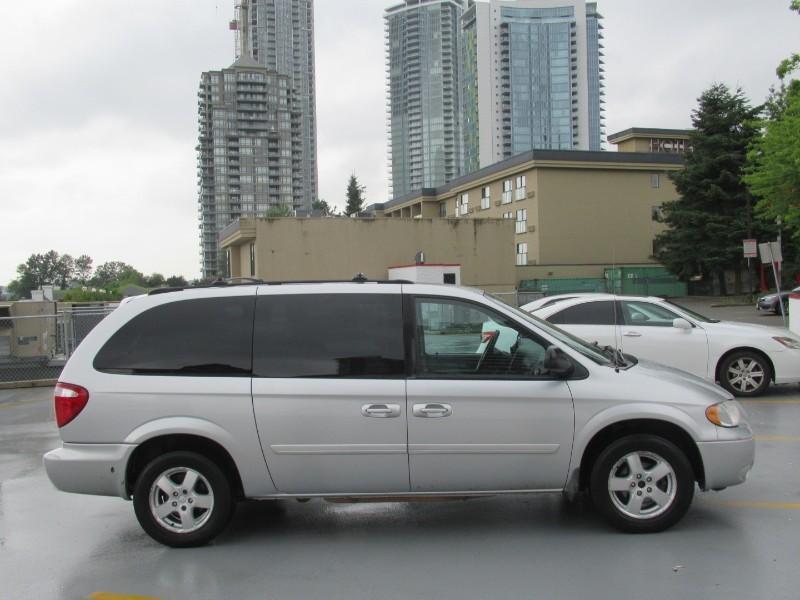 2005-Dodge-Grand Caravan
