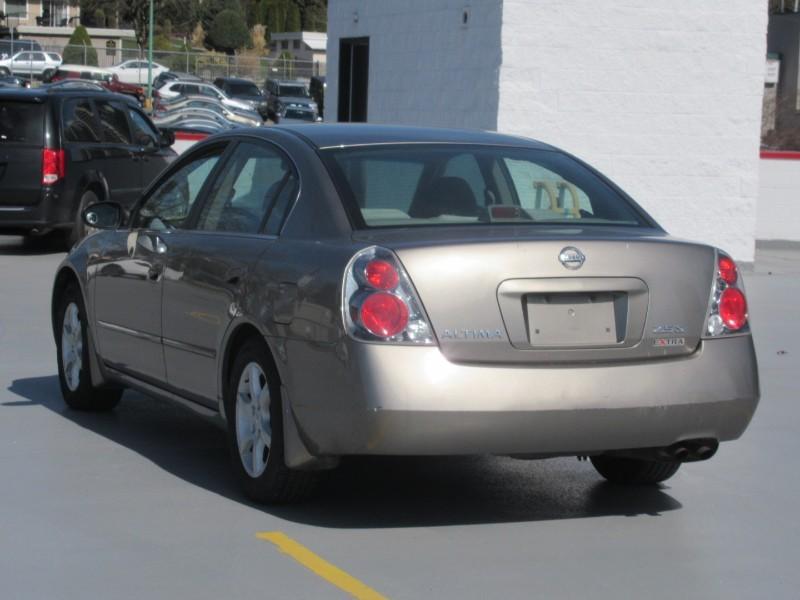 2005-Nissan-Altima