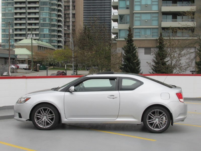 2011-Scion-tC