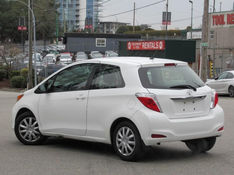 2012-Toyota-Yaris