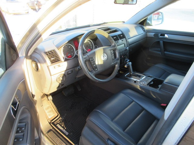 2010-Volkswagen-Touareg