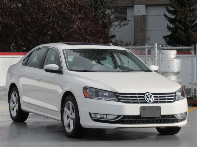 2012-Volkswagen-Passat