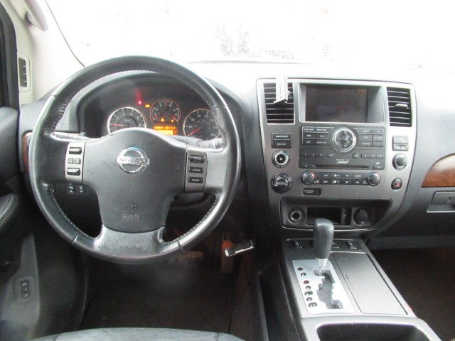 2008-Nissan-Armada