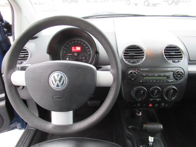 2007-Volkswagen-New Beetle Coupe