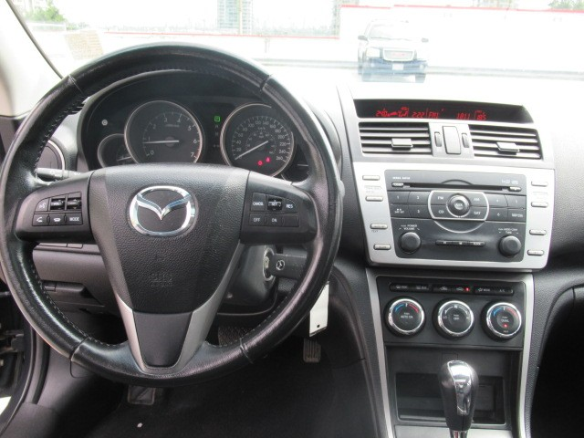 2013-Mazda-MAZDA6