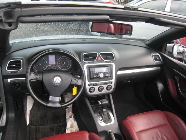 2009-Volkswagen-Eos