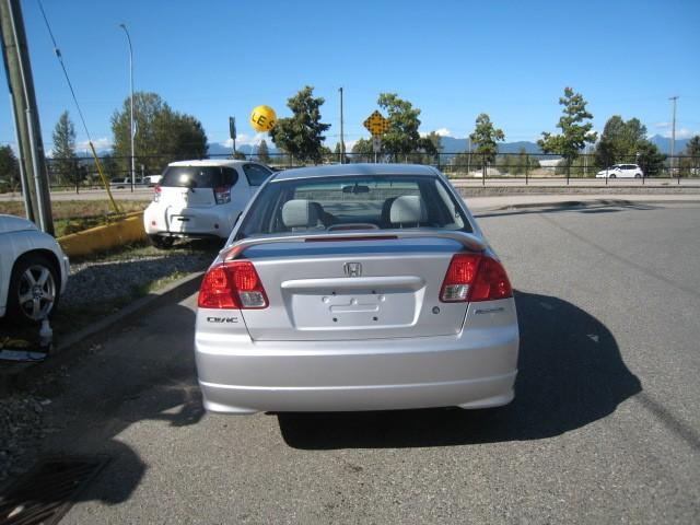 2005-Honda-Civic Sedan