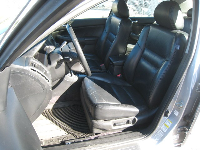 2003-Honda-Accord Sedan