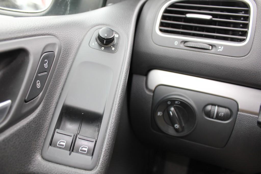 2010-Volkswagen-Golf