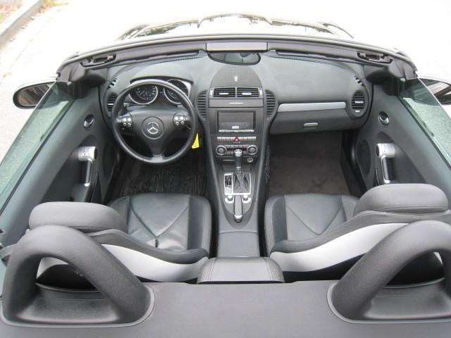 2005-Mercedes-Benz-SLK350