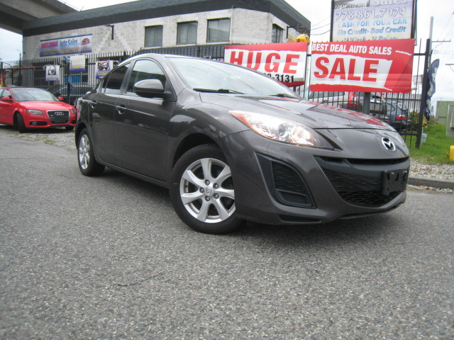 2011-Mazda-3