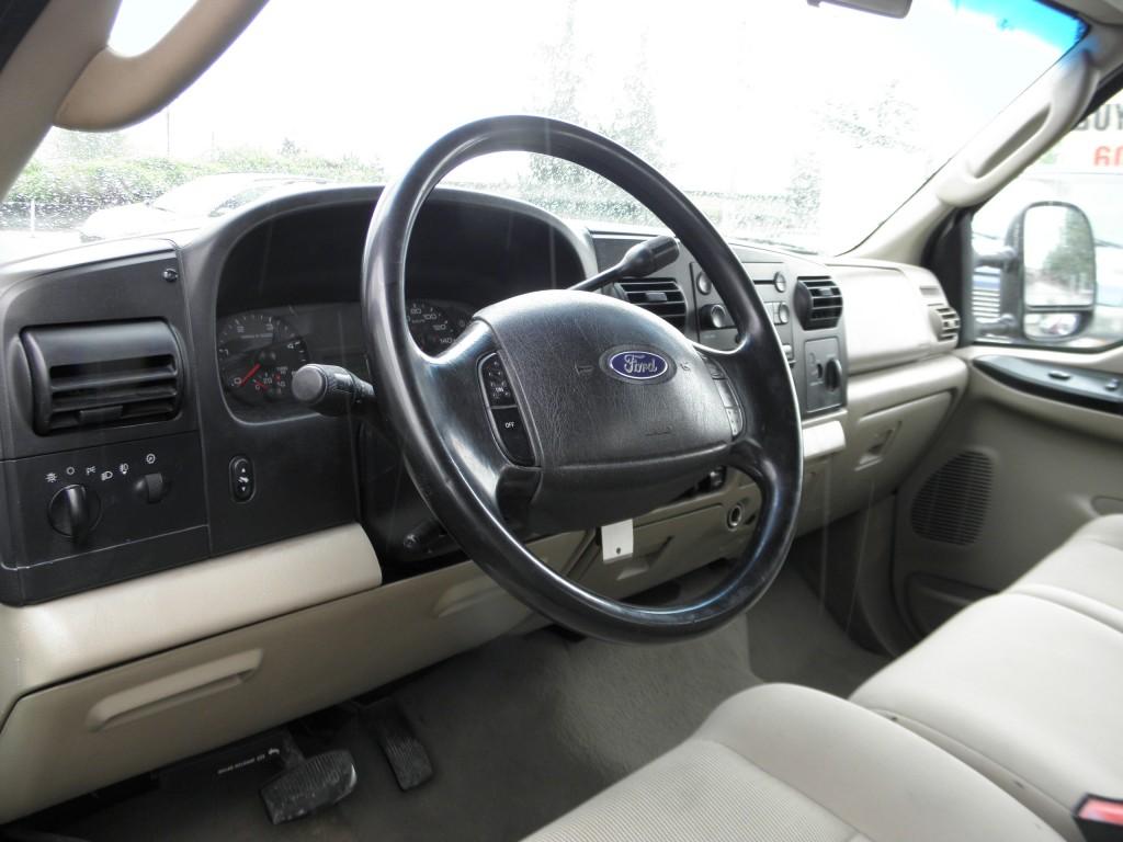 2006-Ford-F-350 Super Duty