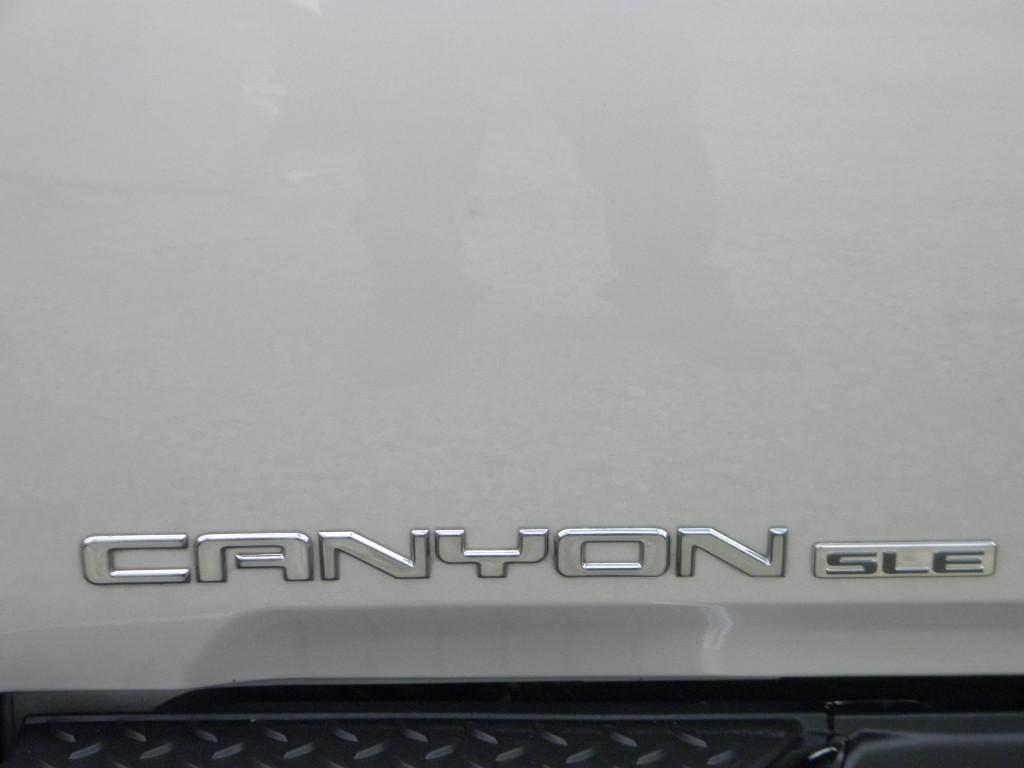 2004-GMC-Canyon