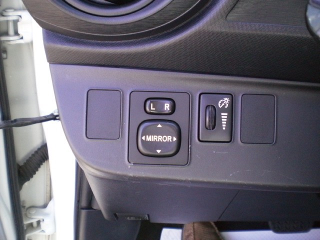 2012-Toyota-Prius C