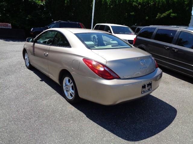 2005-Toyota-Camry Solara