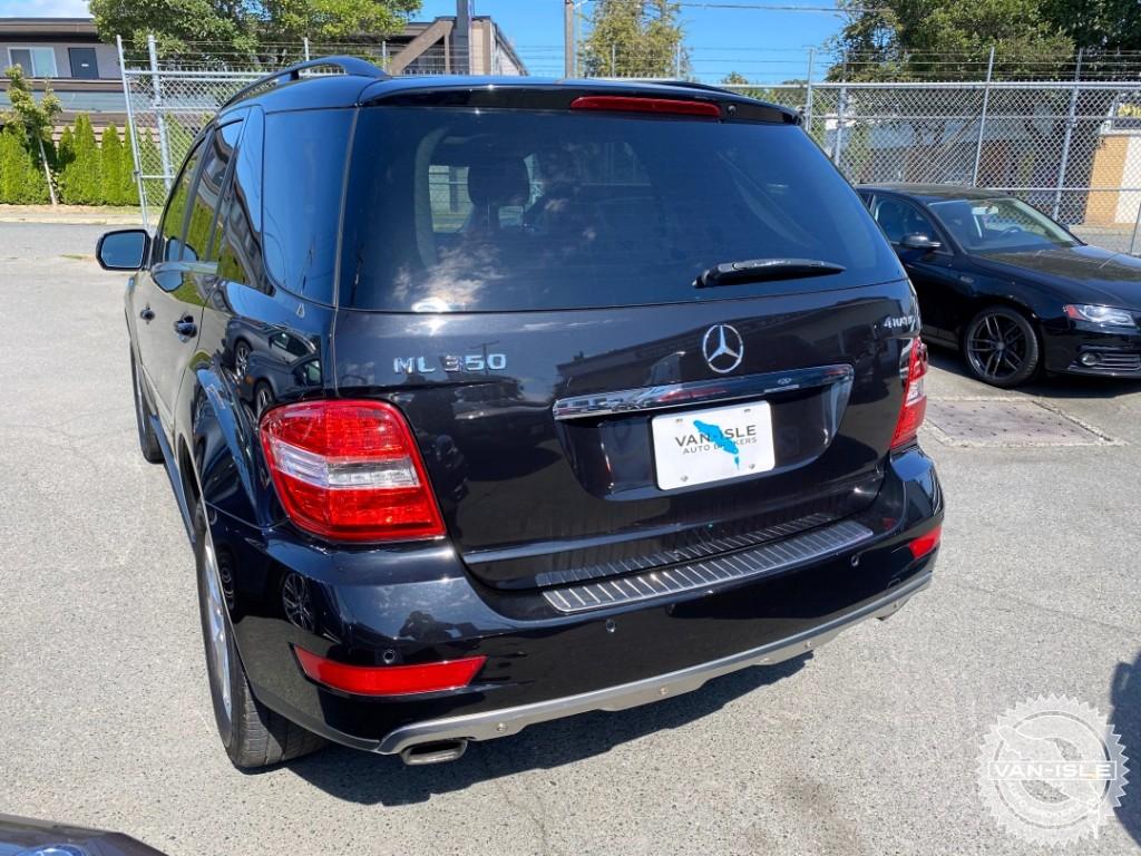 2010-Mercedes-Benz-ML350