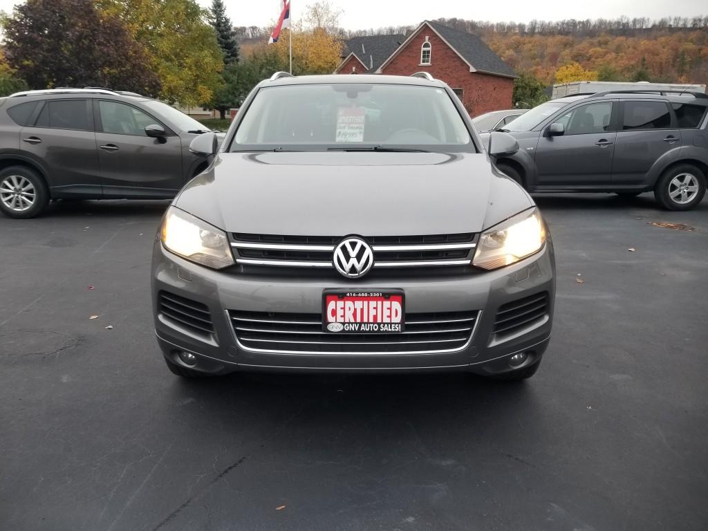 2011-Volkswagen-Touareg