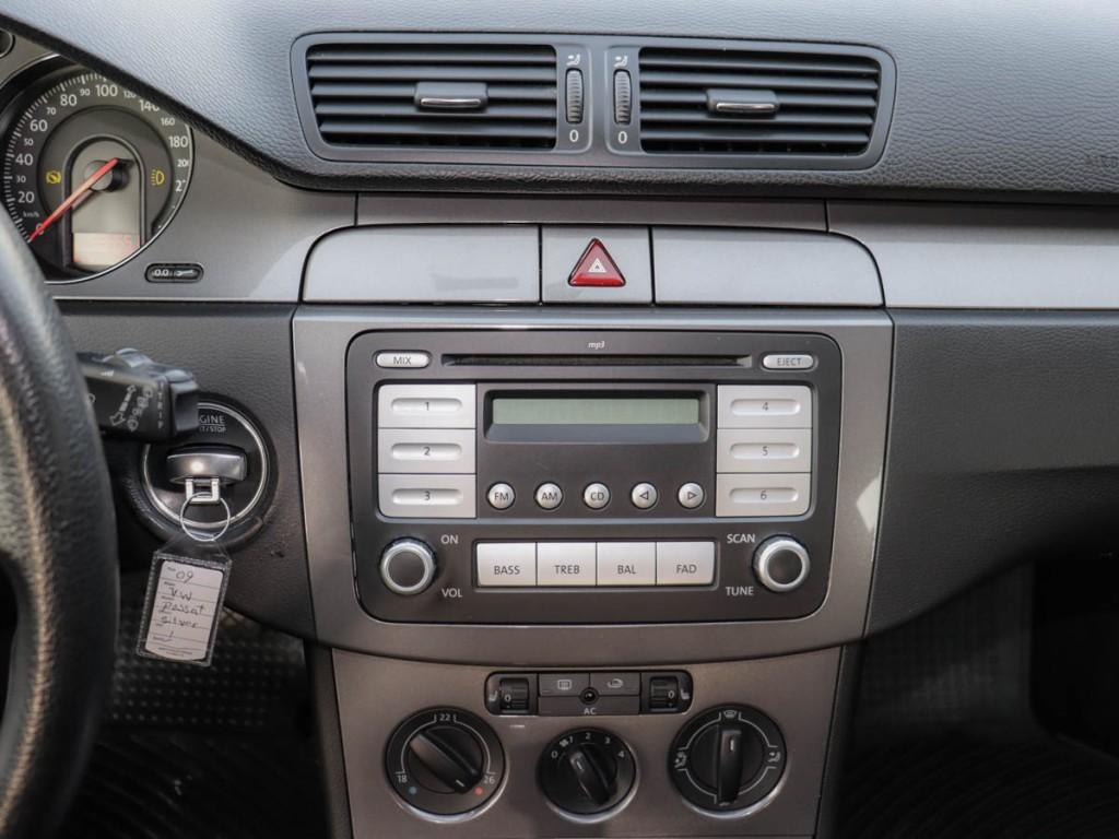 2009-Volkswagen-Passat Wagon