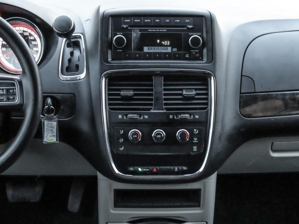 2016-Dodge-Grand Caravan