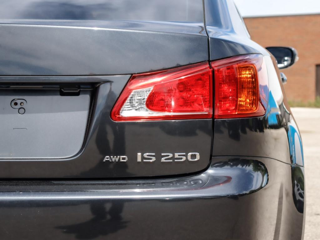 2010-Lexus-IS 250