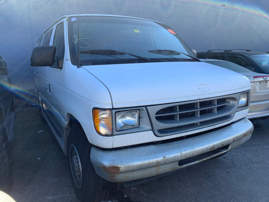 2001-Ford-Econoline Wagon