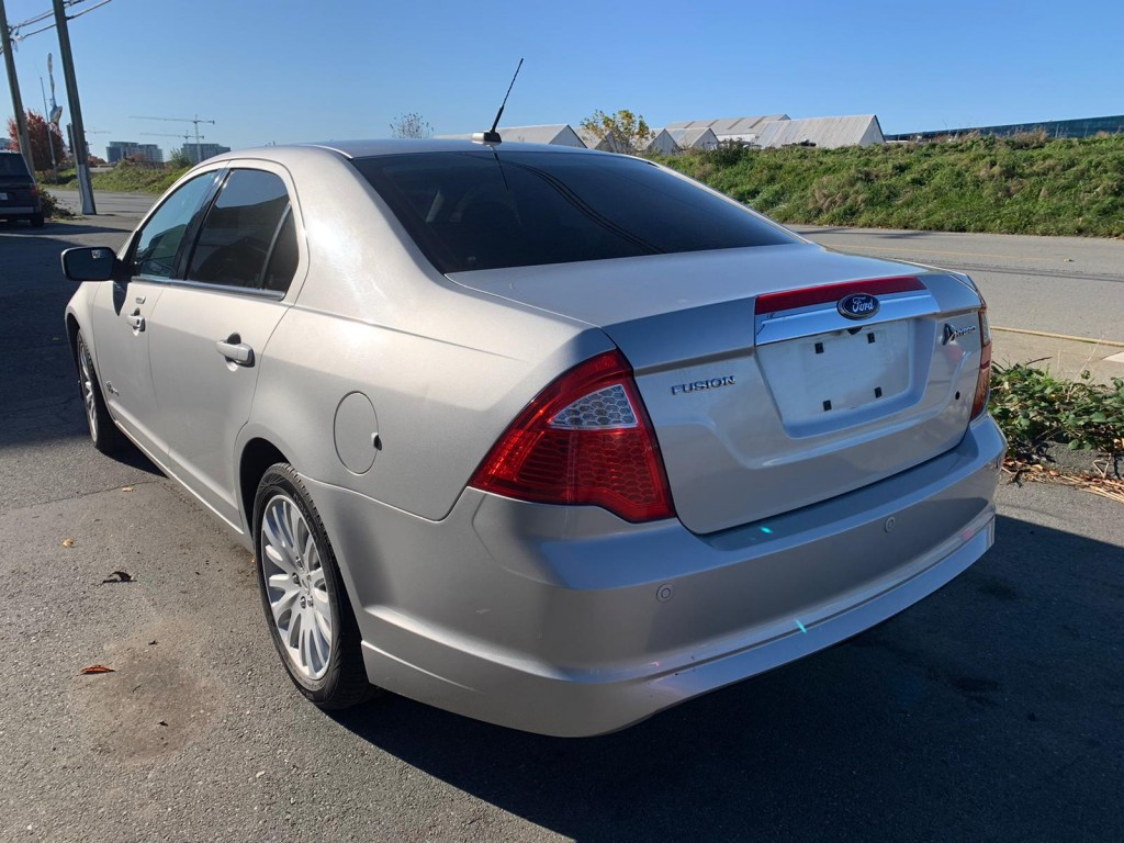 2010-Ford-Fusion