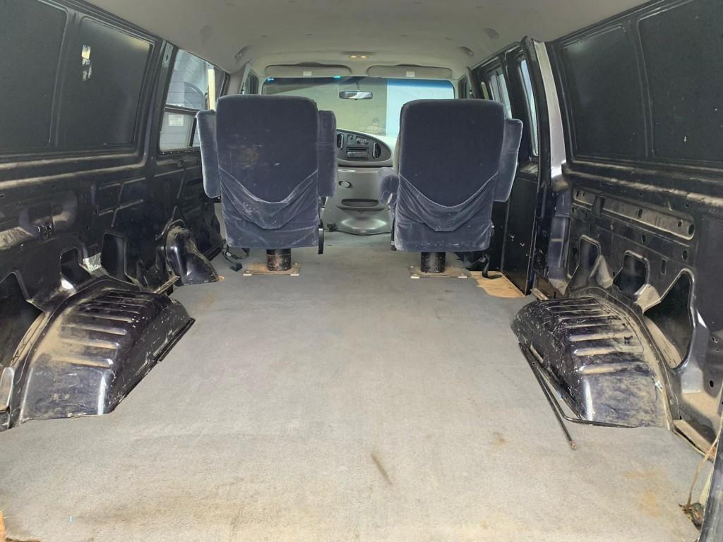 1999-Ford-Econoline Cargo Van
