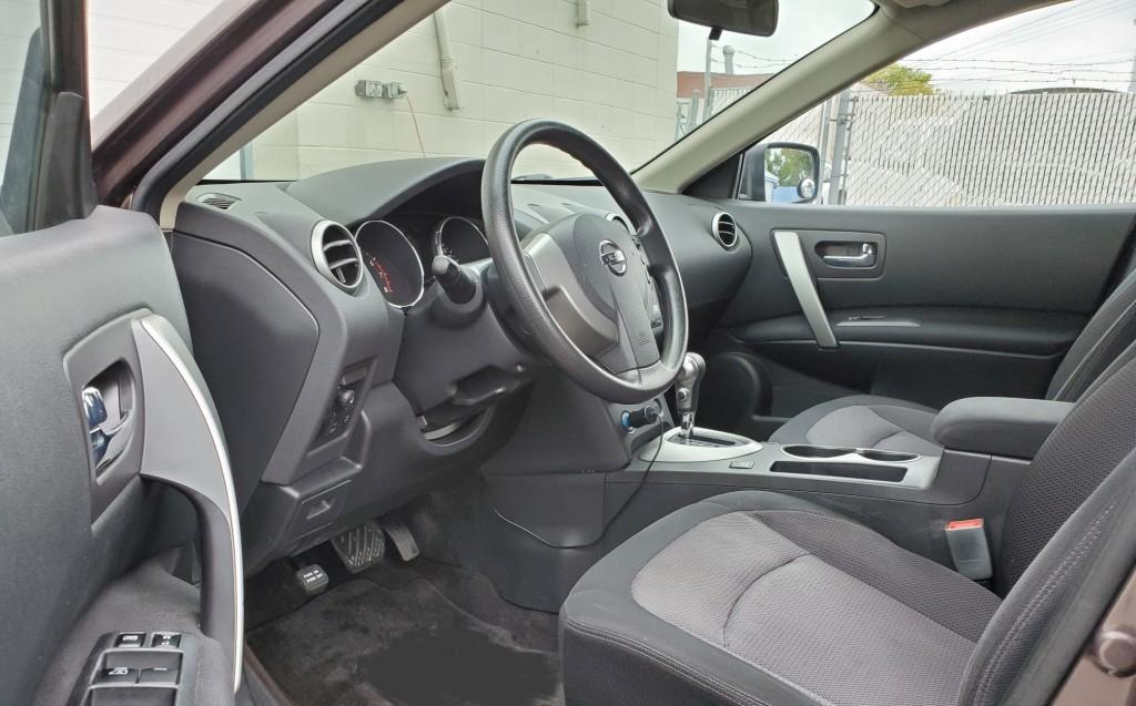 2008-Nissan-Rogue