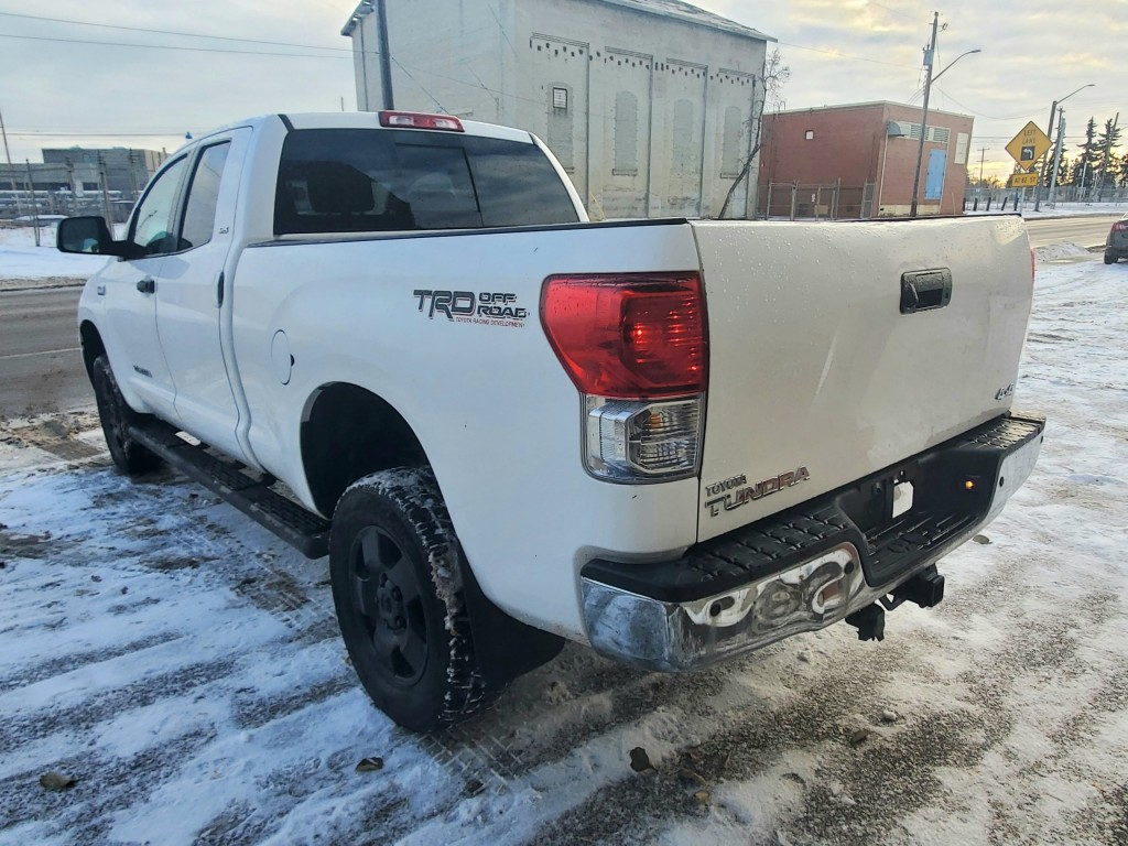 2013-Toyota-Tundra
