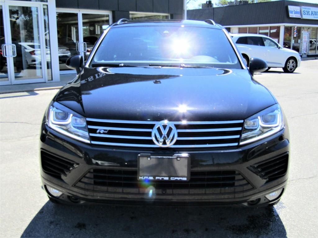 2016-Volkswagen-Touareg