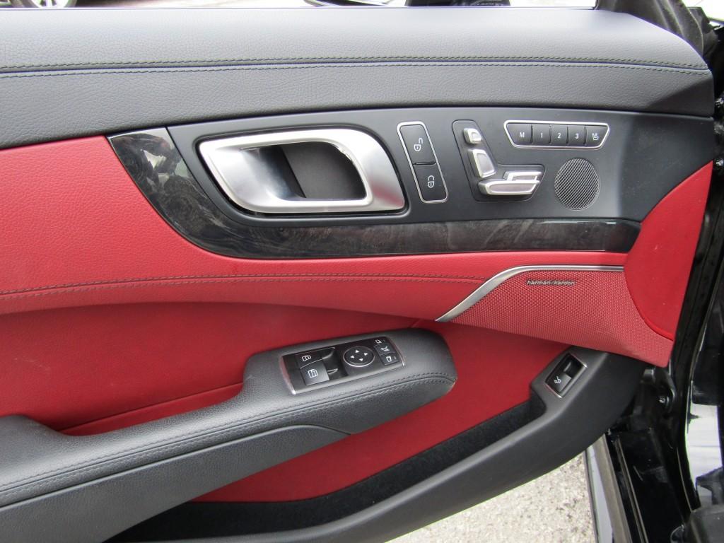 2017-Mercedes-Benz-SL-Class