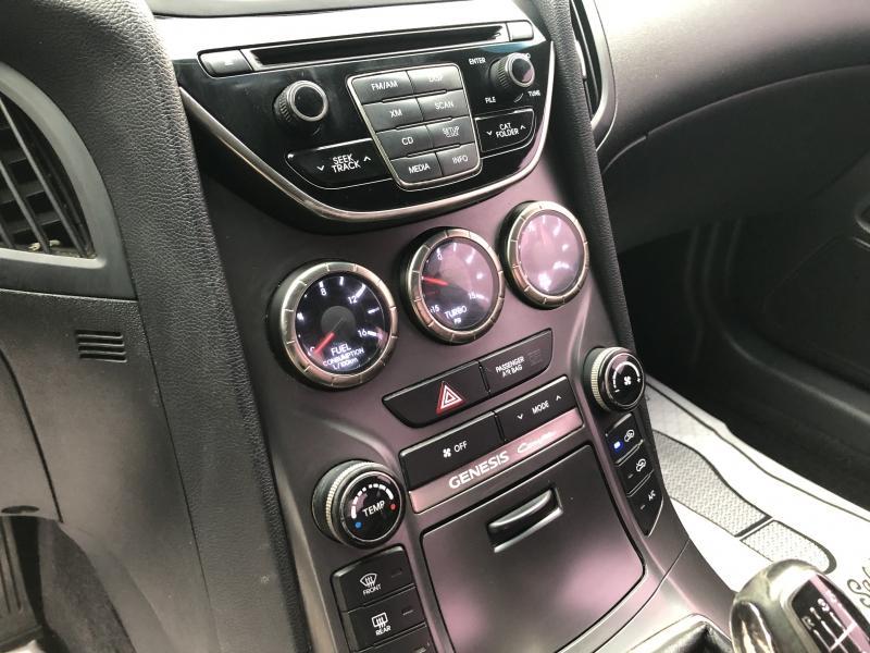 2013-Hyundai-Genesis Coupe