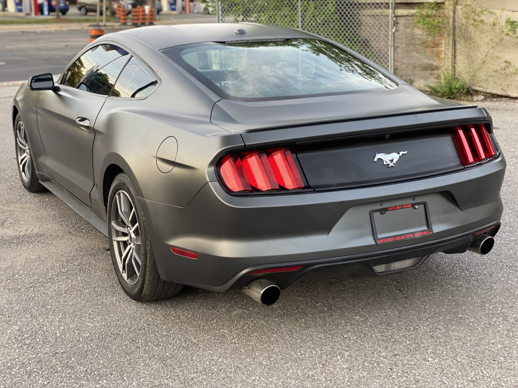 2016-Ford-Mustang