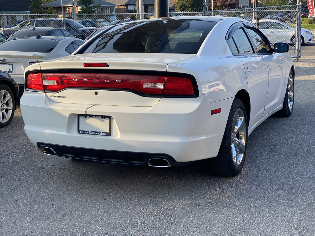 2013-Dodge-Charger