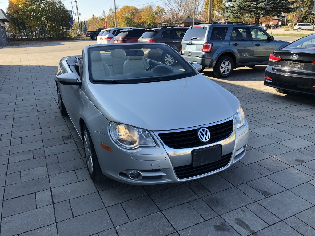2011-Volkswagen-Eos