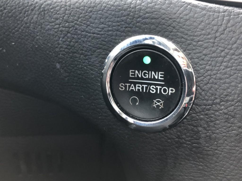 2017-Ford-Edge