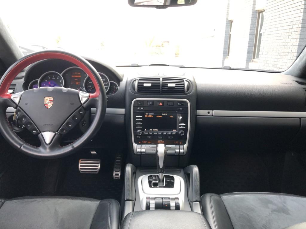 2010-Porsche-Cayenne