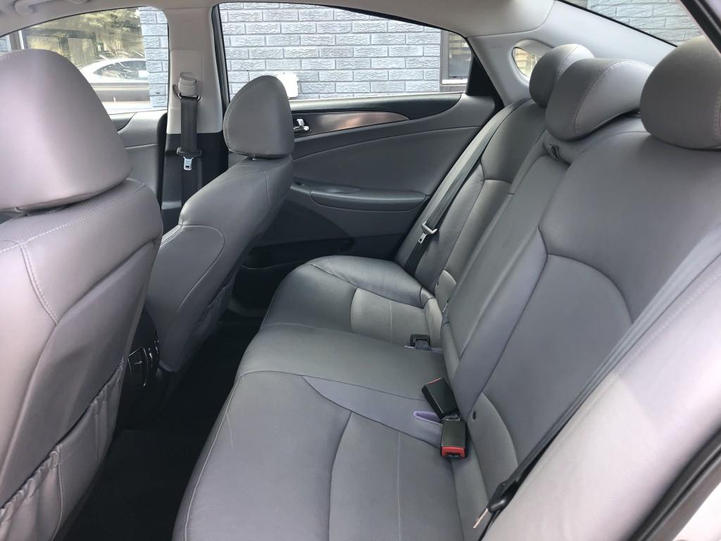2012-Hyundai-Sonata