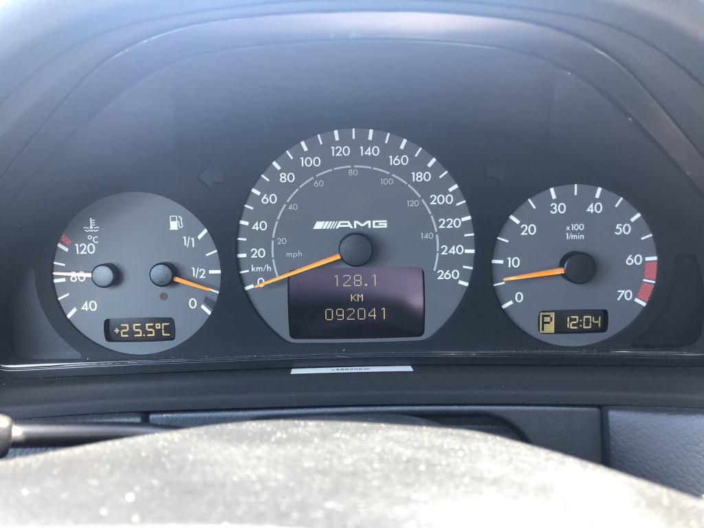 2001-Mercedes-Benz-E-Class