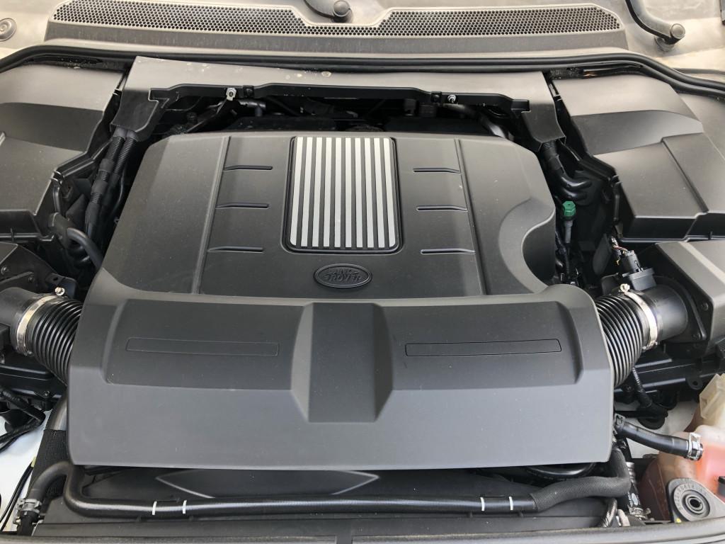 2015-Land Rover-LR4
