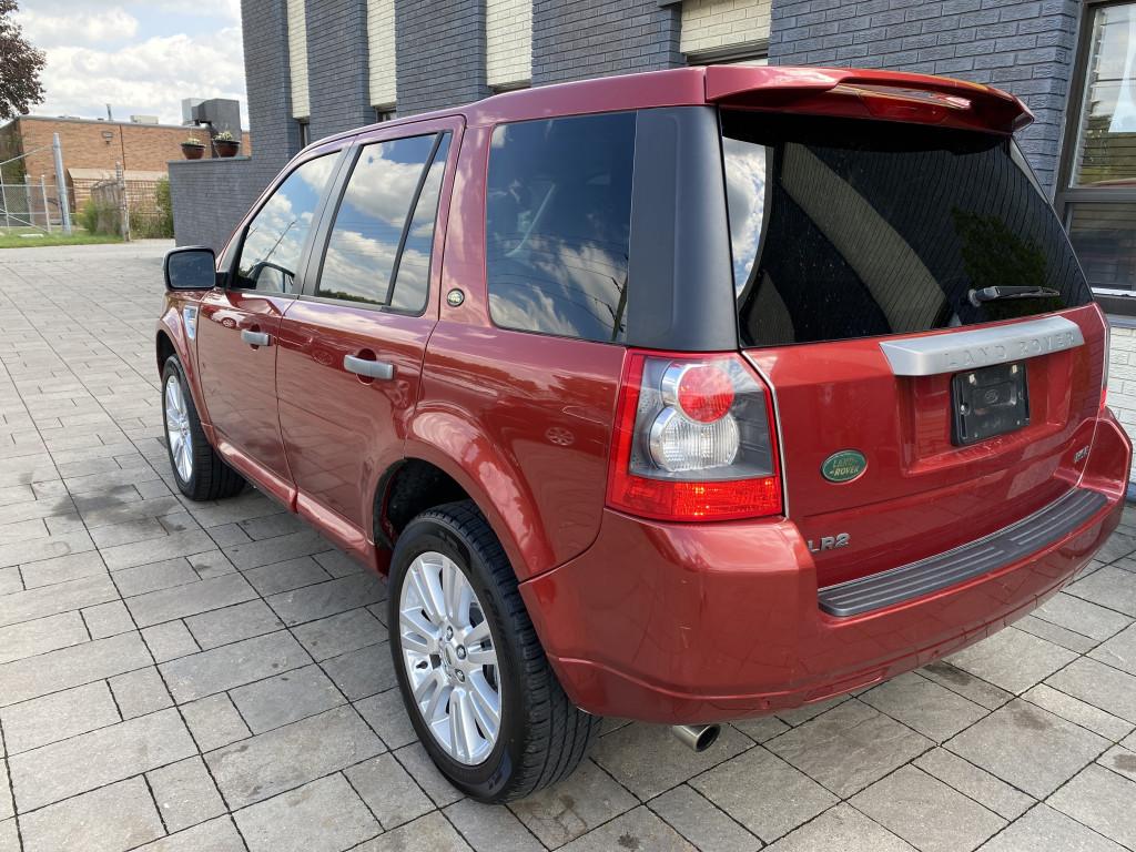 2010-Land Rover-LR2