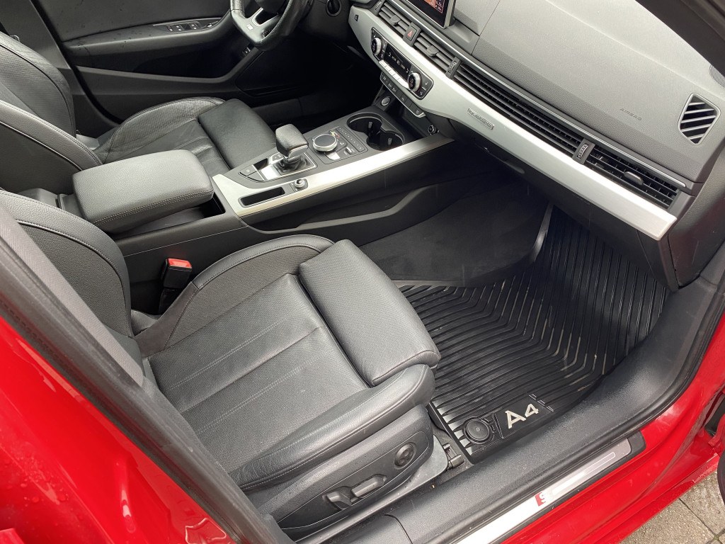 2017-Audi-A4 Quattro