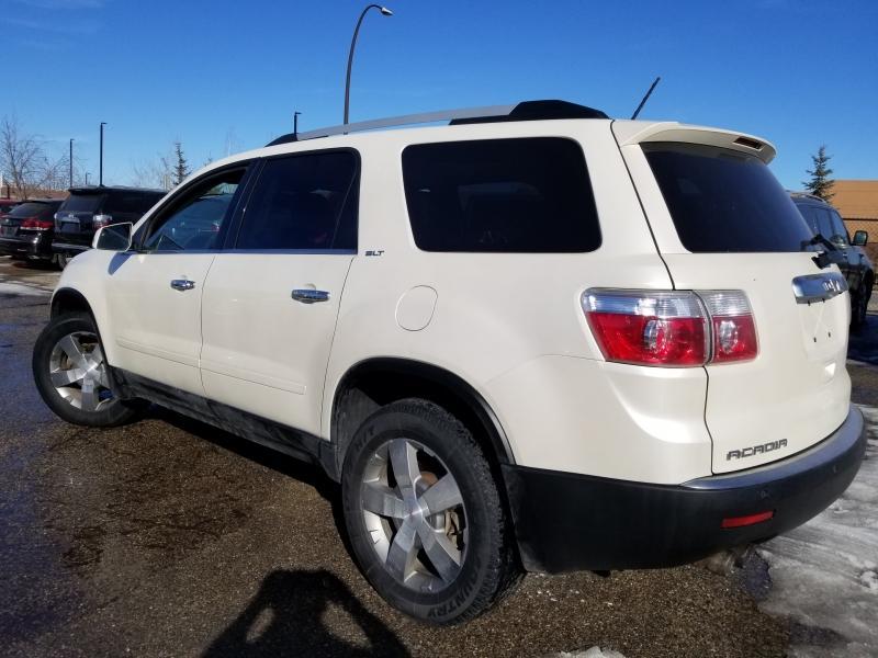 2012-GMC-Acadia