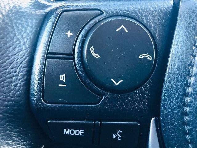2017-Toyota-Corolla IM