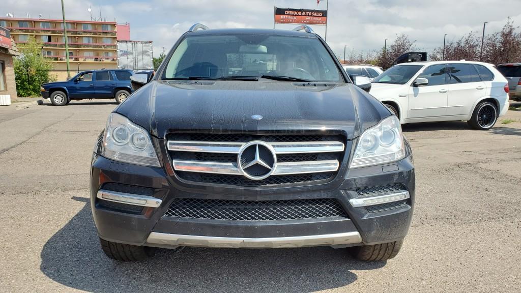 2010-Mercedes-Benz-GL-Class