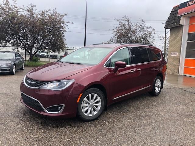 2017-Chrysler-Pacifica