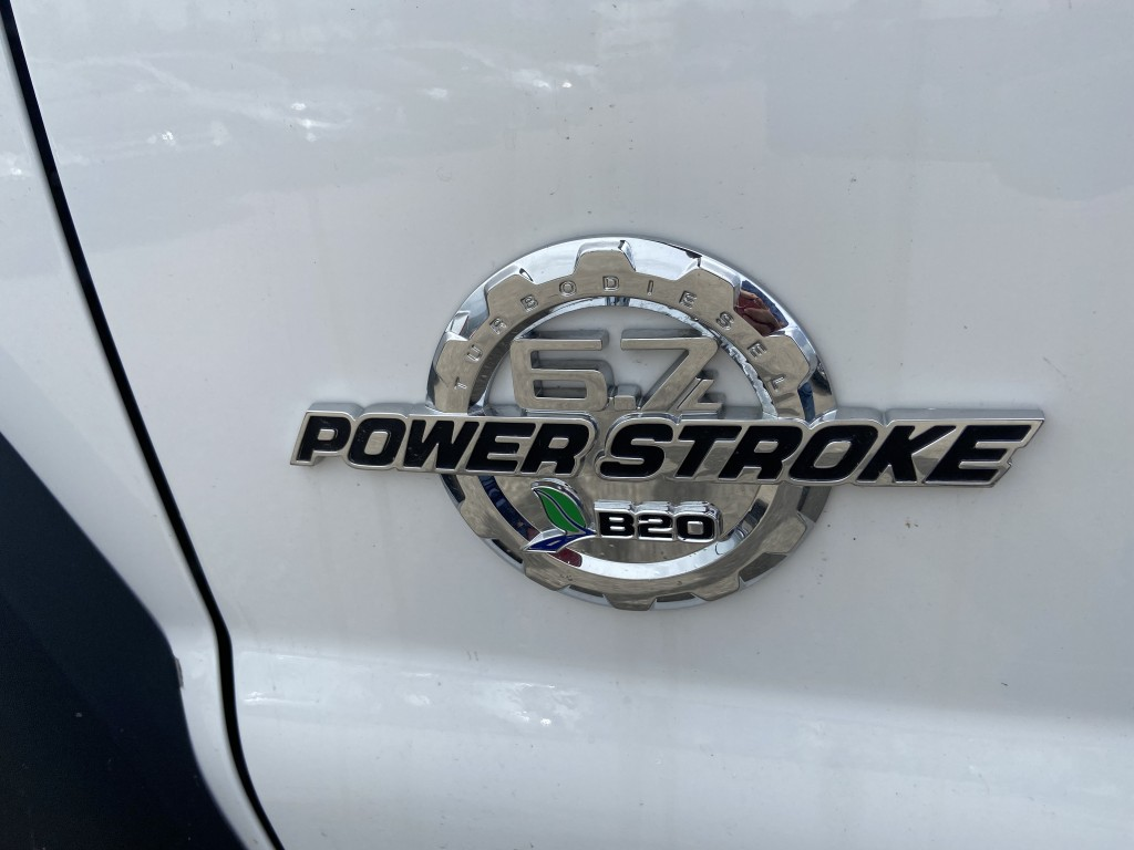 2015-Ford-Super Duty F-550 DRW
