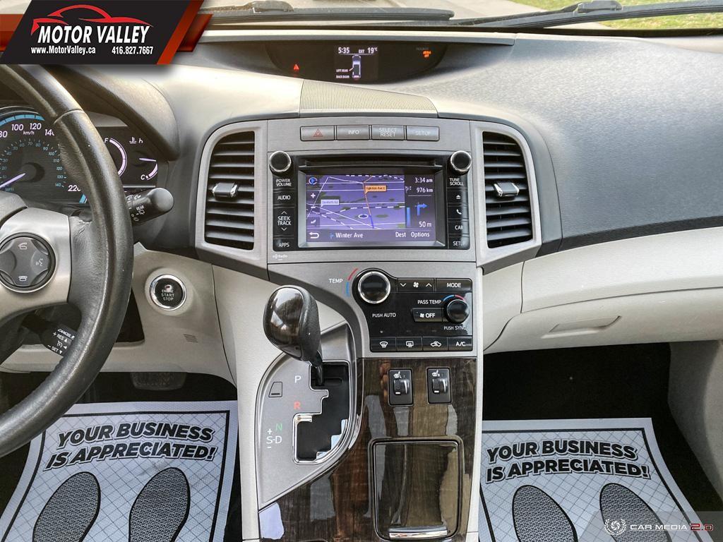 2014-Toyota-Venza