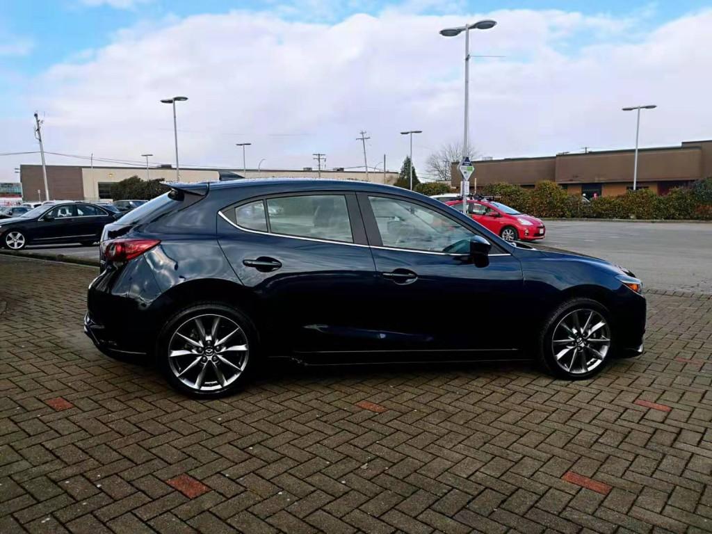 2018-Mazda-MAZDA3 SPORT