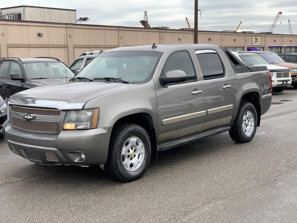 2007-Chevrolet-Avalanche